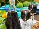 Рецепта Домашен ликьор от зелени орехчета с ракия